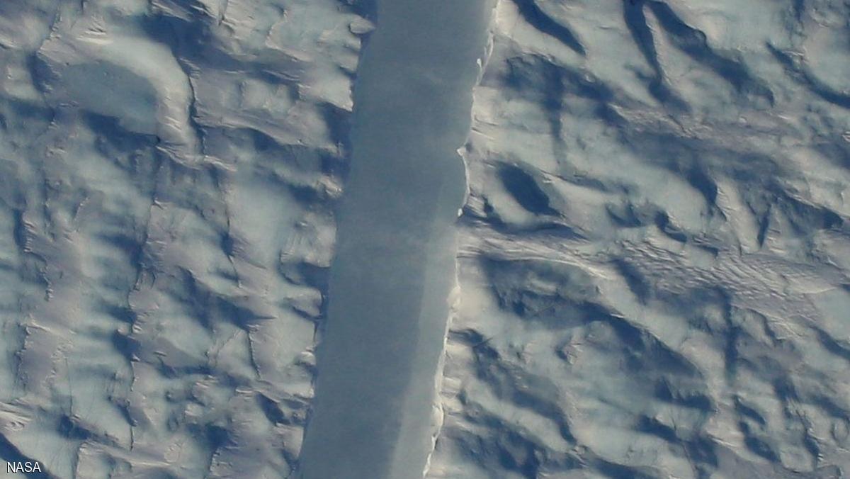 """""""ناسا"""" ترصد شرخًا كبيرًا يهدد الجزيرة الأكبر في العالم"""