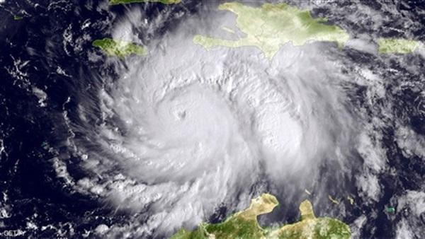 المركز الوطني الأمريكي يحذر من احتمال تشكل إعصار فوق المحيط الأطلسي
