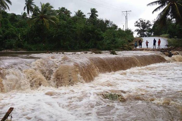"""إعصار قوي يجتاح عددًا من جزر  """"الهادي"""""""