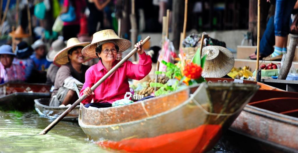 بالصور.. السوق العائم في بانكوك
