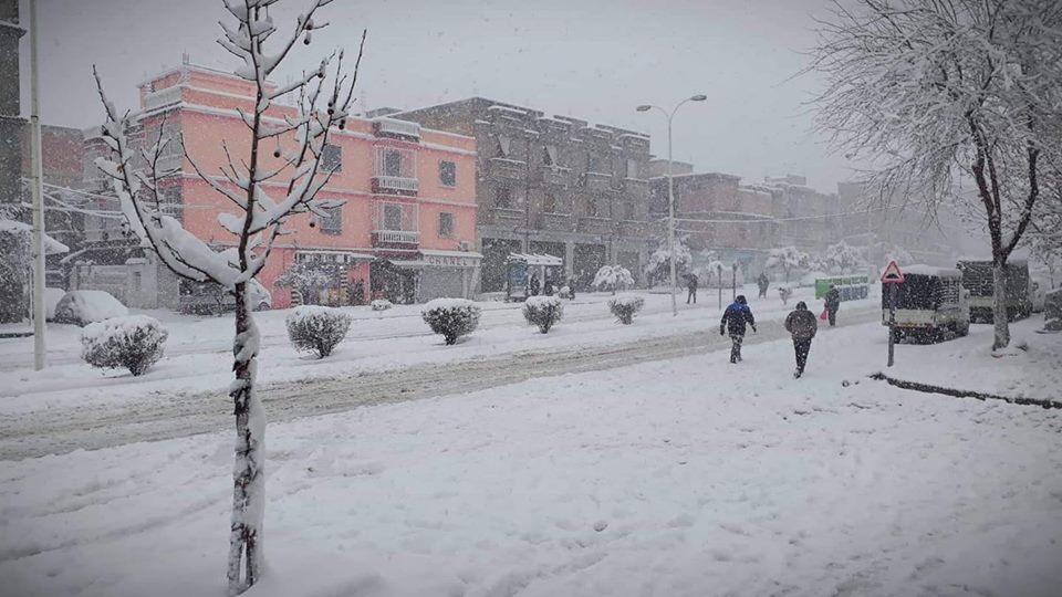تونس والجزائر.. تساقط للثلوج على ارتفاعات وصلت 400 متر